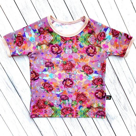 rövidujjú póló – rózsás ( rózsaszín alapon )