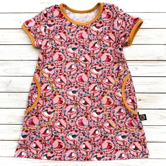 oldalzsebes ruha, tunika – rózsaszín madarak